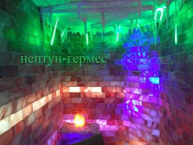 Соляная комната из соляных кирпичей, места для пациентов.