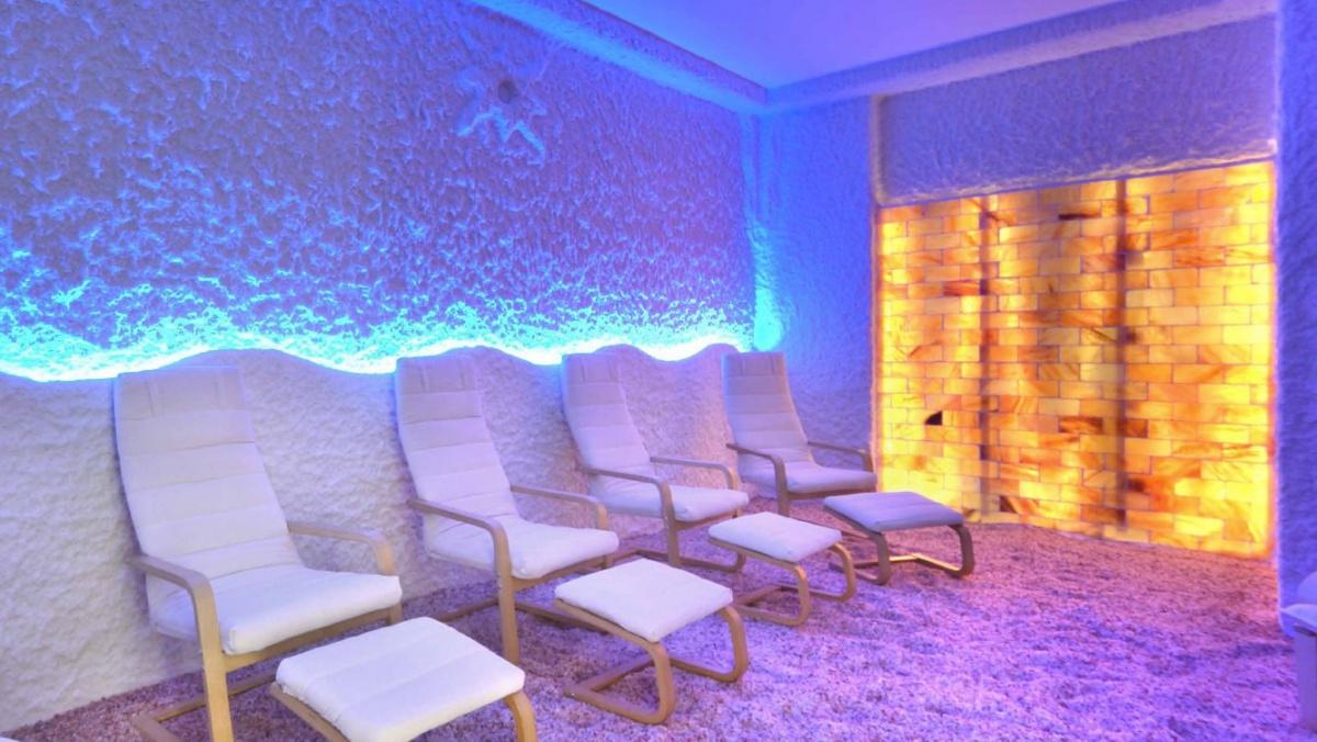 Соляная комната места для пациентов.